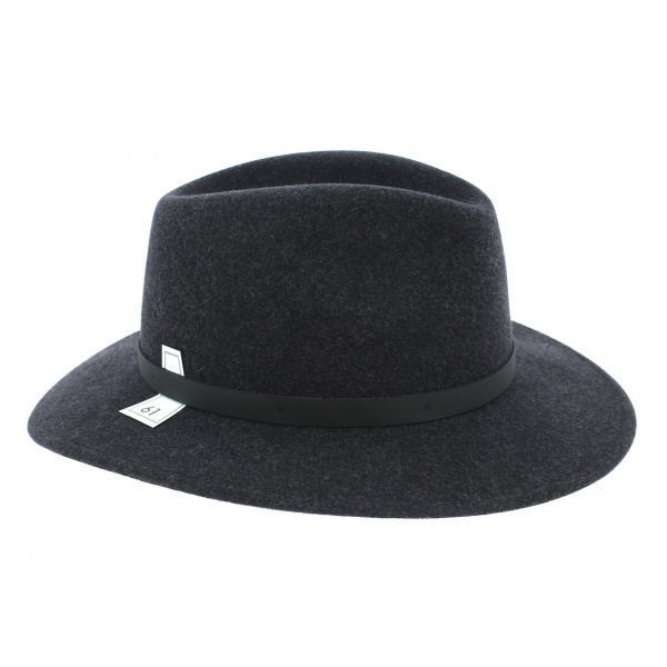 Flechet hat