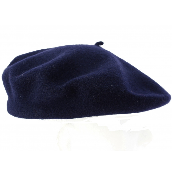 Basque advertising Beret
