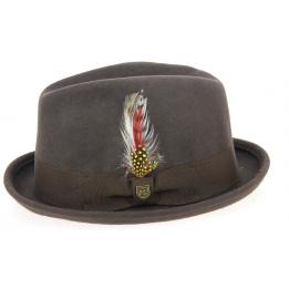 Beige brixton gain hat