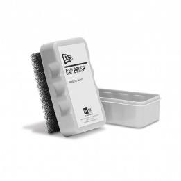 Brosse pour Casquette Boîte à Plastique- NewEra